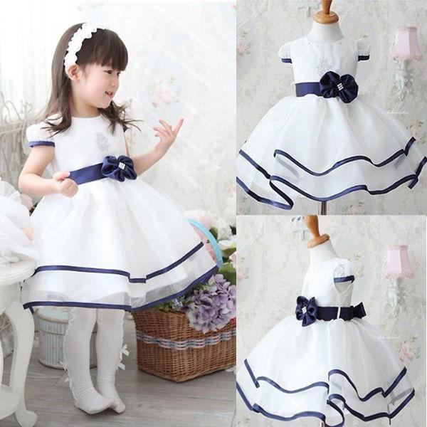 Soрів±ar con persona vestida de blanco