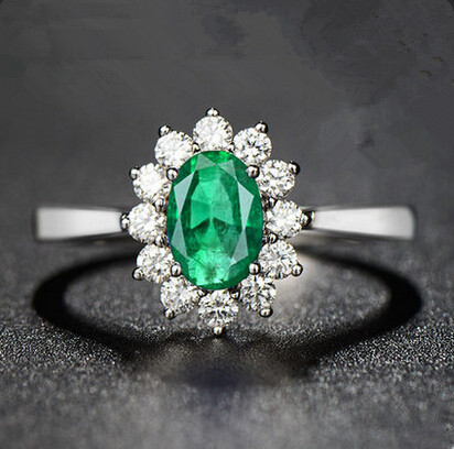 super beautiful design emerald ring gold Plated precious colored