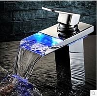 Led licht kraan kraan led tap 3 kleur veranderende waterval led wastafelmengkraan sink tap badkamer mixer water vierkante kraan