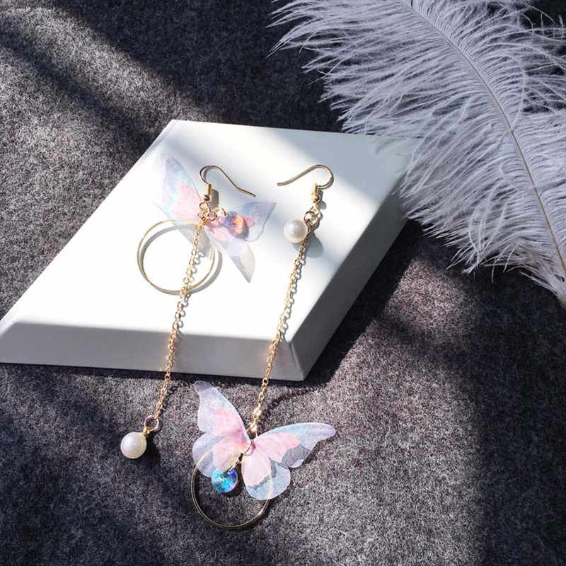 2018 New Korean retro asymmetric butterfly imitation pearl alloy earrings long section of the wings and Earings Fashion Jewelry