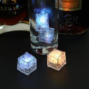 Image 4 - Led アイスキューブグローイングパーティーボールフラッシュライト発光ネオン結婚式フェスティバルクリスマスバーワインガラスの装飾用品 12 個