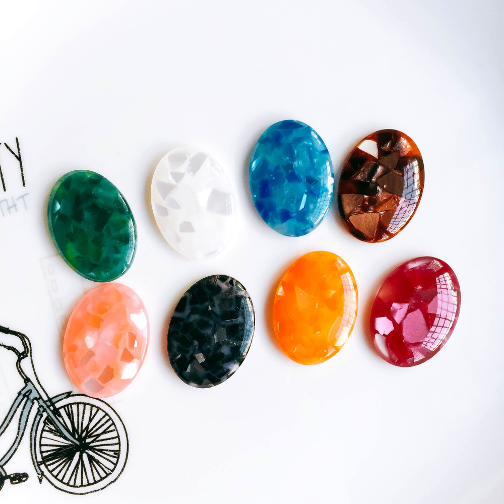 ZEROUP 20pcs 18x25mm Oval Resin Cameo Cabochons Mixed Color Flat Back Cabochon Setting Supplies for Jewelry Finding
