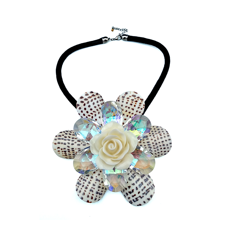 Fashion new arrival Original handmade big flower necklace shellfish+crystal+resin Combination pendant necklace female Jewelry alloy rose flower pendant necklace