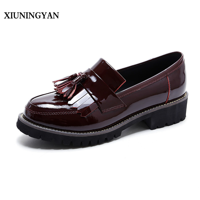 XIUNINGYAN Shoes Women Round Toe Tassel Vintage Leather Brogue Casual Oxfords Shoes for Woman Spring Lady Driving Females Flats lloprost ke spring women platform shoes oxfords brogue patent leather flats lace up round toe shoes vintage casual shoes my110