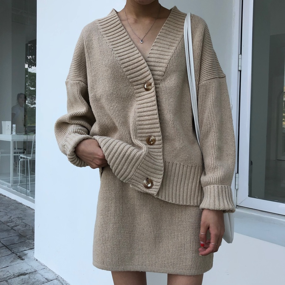 2018 Top Fashion Cotton Full Button Women's New Knit Suit Fashion Loose V-neck Sweater Cardigan + Skirt 2 Piece Female Two Set