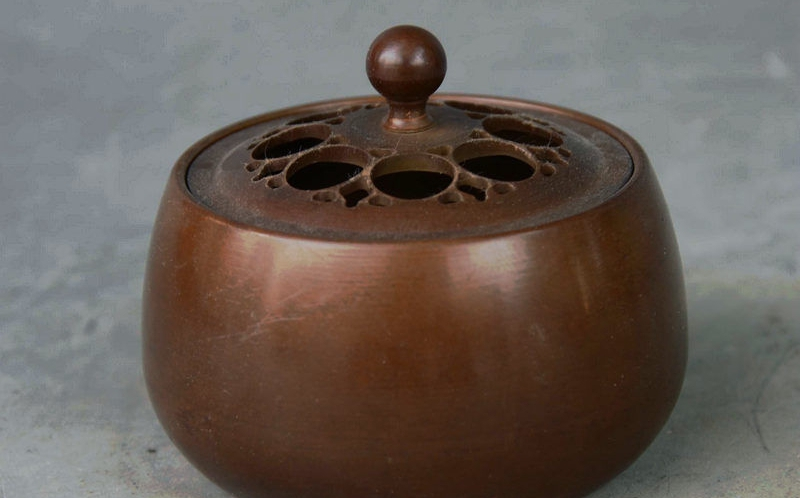 China Dynasty Palace Pure Bronze Carved Hollow Lid Statue Incense Burner Censer