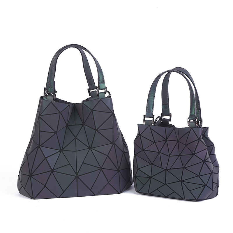 b40f63037115 PROMOTION Luminous bag Women Geometry Diamond Tote Quilted Shoulder Bags  Laser Plain Folding Handbags Free Shipping hologram bag-in Shoulder Bags  from ...