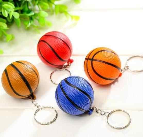 Bolsa de baloncesto de plástico colgante Mini llavero de baloncesto hombres llaveros de coche deportes Souvenir fiesta favor regalos de cumpleaños de la escuela