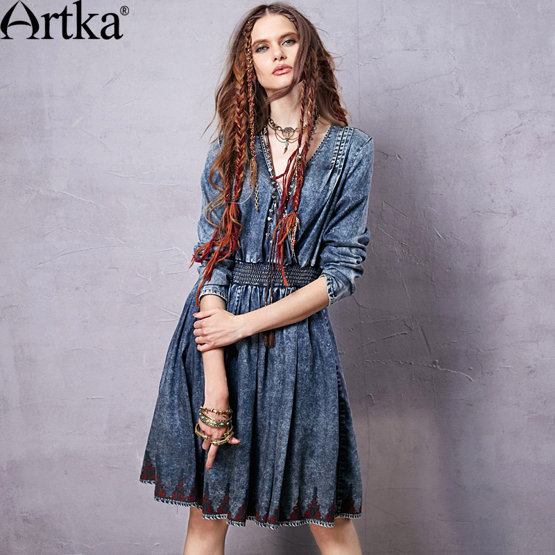ARTKA Women s 2018 Autumn New Boho Style Embroidery Dress Vintage V neck Empire Waist Knee