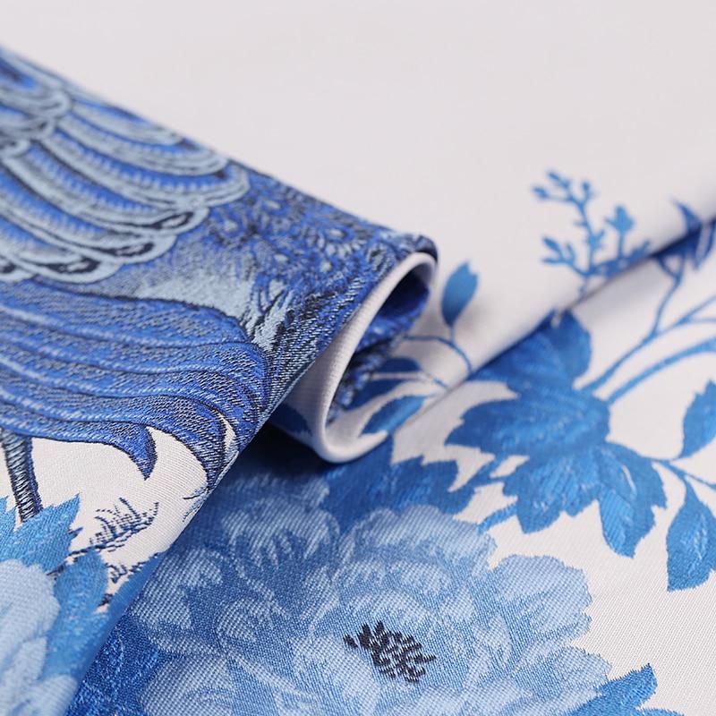 CF428 le nouveau tissu de mode de brocart de Jacquard de paon bleu blanc de haute qualité épais tissu de manteau de robe de Jacquard pour la robe des femmes