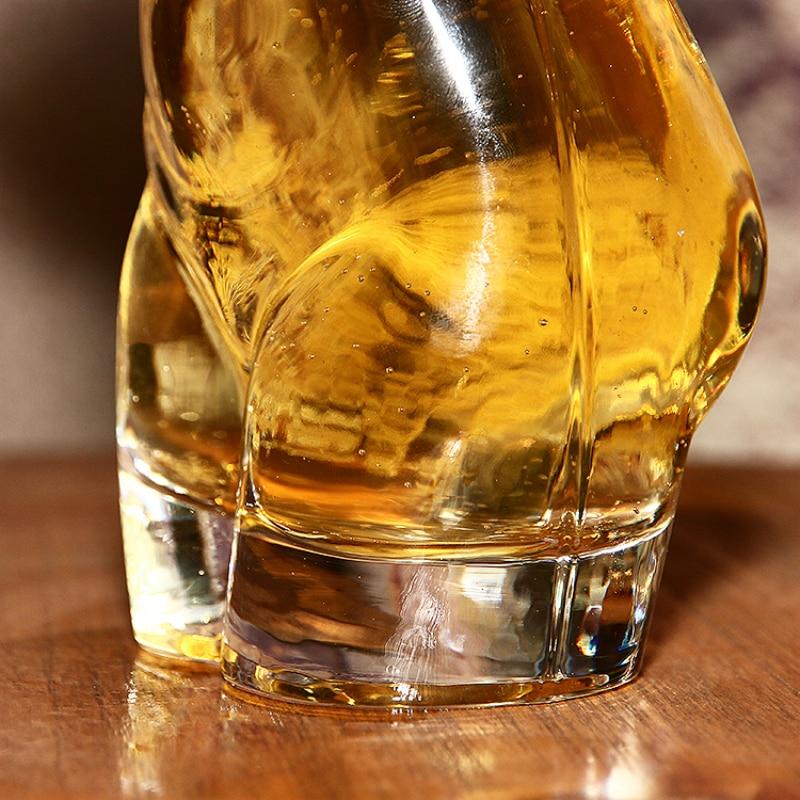 Бар личность сексуальная обнаженная Обнаженная мужчины вино Пшеница пивное стекло дух человеческого тела вкус Кубок красота герой туба вина чашка короткое стекло es