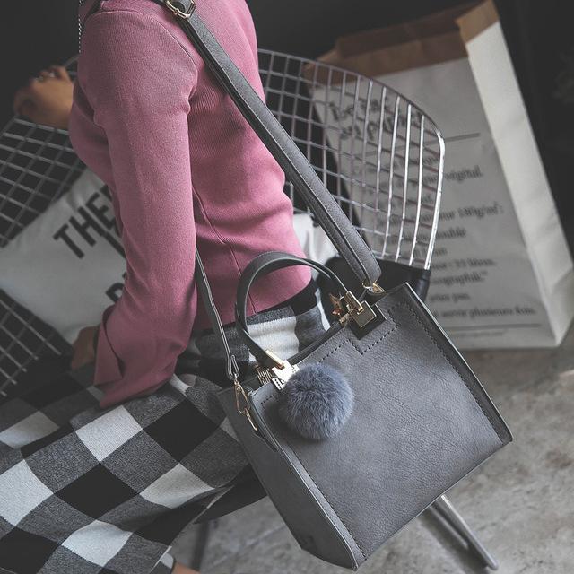 Casual large shoulder messenger  leather handbag