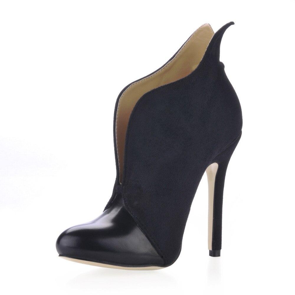 Grande Taille 43 Automne Cheville Bottes Femmes Pompes Sexy Haute talons En  Cuir De Mode Chaussures Femmes Haute Bottes Marque Dames Chaussures bottes  dans ... 5c261b440586