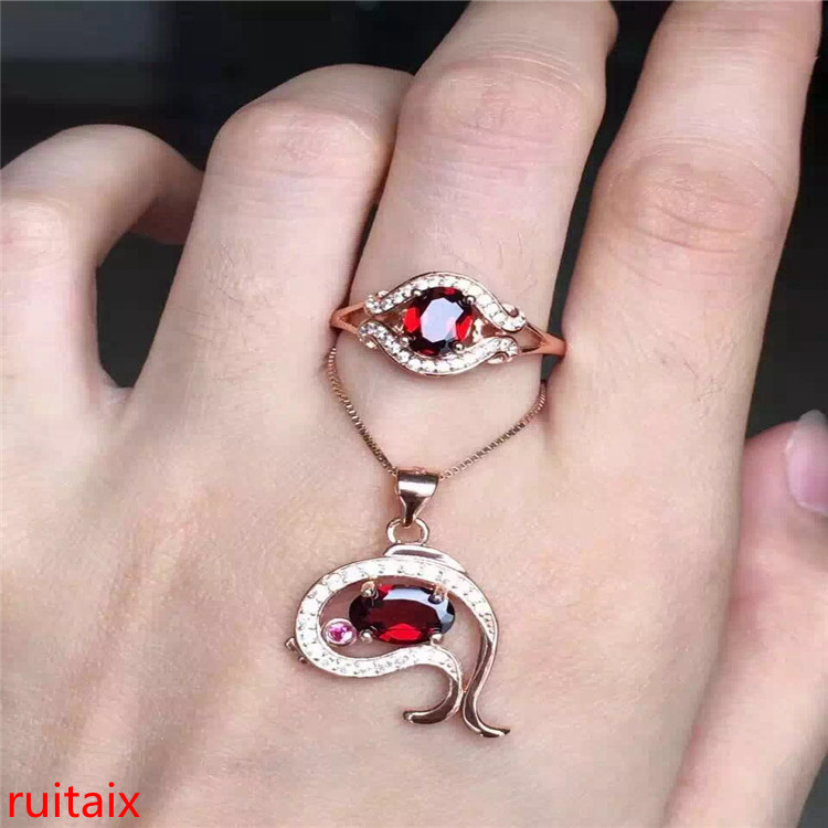 KJJEAXCMY boutique jewels 925 pure silver inlaid natural garnet necklace pendant ring 2 pieces of jewelry.KJJEAXCMY boutique jewels 925 pure silver inlaid natural garnet necklace pendant ring 2 pieces of jewelry.