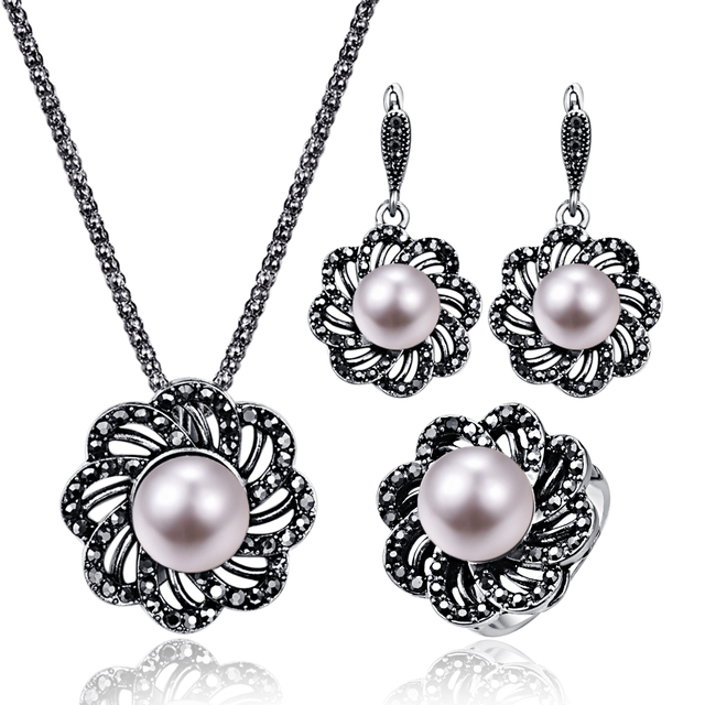 17af4c47db Vintage Crystal Flower Wedding Jewelry For Women Antique Silver Black  Rhinestone Big Pearl Pendant Necklace Earrings Ring Set