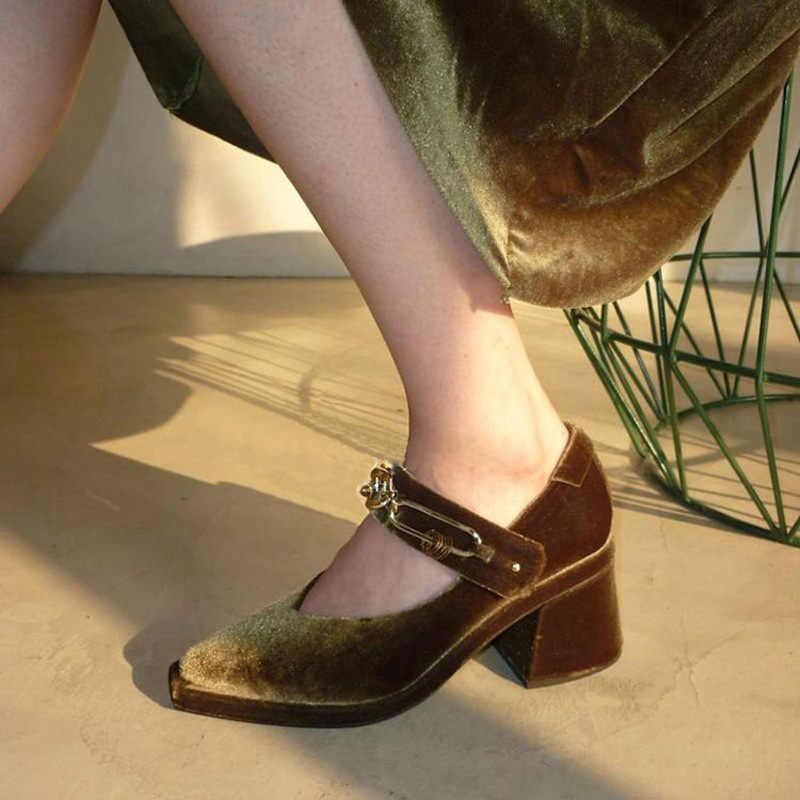 2018 Spring Velvet Mary Janes Shoes Woman Luxury Designer Chunky Heels  Chains Women Pumps Vintage Ladies b740ee5931b2