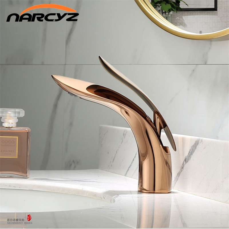 Basin Faucets Modern Rose Gold Bathroom Faucet Waterfall Single Hole Cold and Hot Water Tap Basin Faucet Mixer Taps XT-423(China)