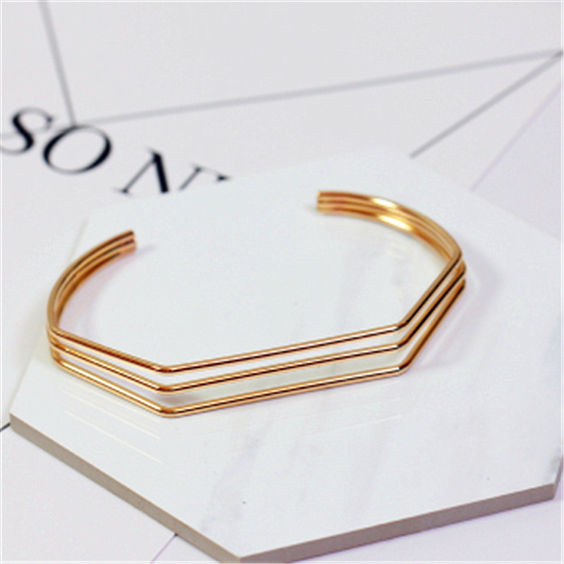 Fashionable joker in Europe and the metal rings contracted wind bracelet Bracelet female pop smooth accessories package mail