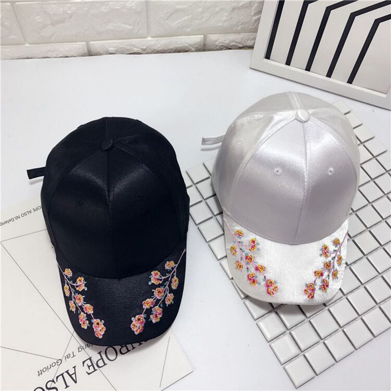 free shipping 2017 fashion Chinese style plum flower embroidery silk luster baseball cap outdoor leisure snapback cap men women a three dimensional embroidery of flowers trees and fruits chinese embroidery handmade art design book