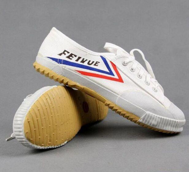 White And Black Color Shaolin Monk Training Feiyue Shoes Tai Chi Martial Arts Taekwondo Karate Kung Fu Sports Sneakers