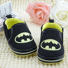2016 Hot Sale Black Bat man Baby Shoes First Walkers Infants Boys Shoes Antislip Toddlers Sneakers Girls Chaussures Bebe Sapatos