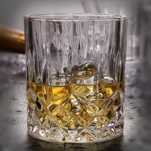 Round Crystal Whiskey Glass