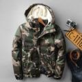 2016 Moda camuflaje parkas hombres duck down jacket parka militar medio-largo abrigo de invierno de los hombres de invierno gruesa hombres con capucha de piel