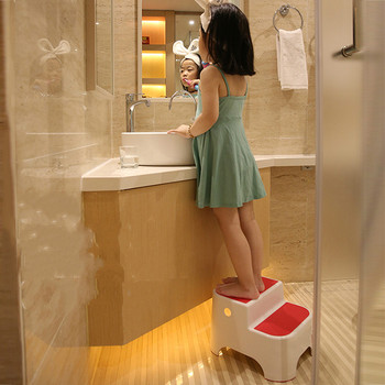 The children wash plastic stools footrest baby stool bathroom stool foot ladder ascending stepladder footstool digital clock