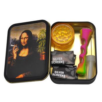 1 szt caixa de tabaco de metal i tuba z silikonu 1 szt moedor de plástico + 5 szt filtros de metal com um vidro dicas de cac tanie i dobre opinie TOPPUFF CN (pochodzenie) Gift Box SET013 112 MM * 83 MM 40 MM 1 57 Inches 84 g pc China