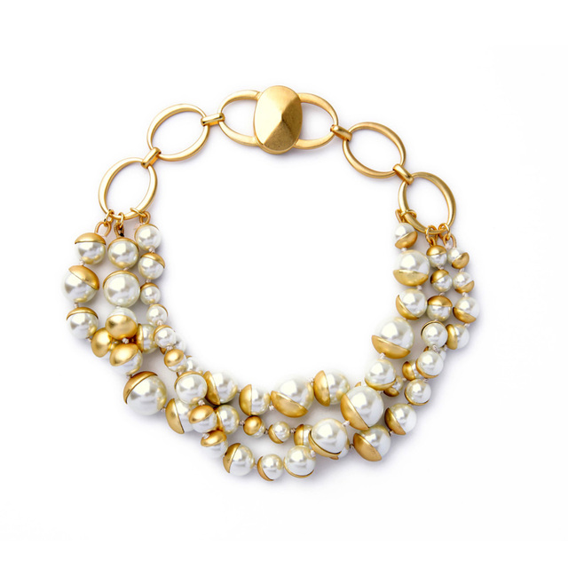 078567b52a39 Chunky Beaded Necklace Elegant Clavicle Simulated Pearl Layered Necklace  Magnet Women Jewelry