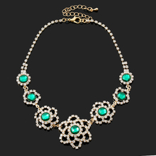 2017 Bohemian Chain Necklaces Flower Retro Crystal Pendant Necklaces For Women Jewlery Charming Choker Statement Necklaces