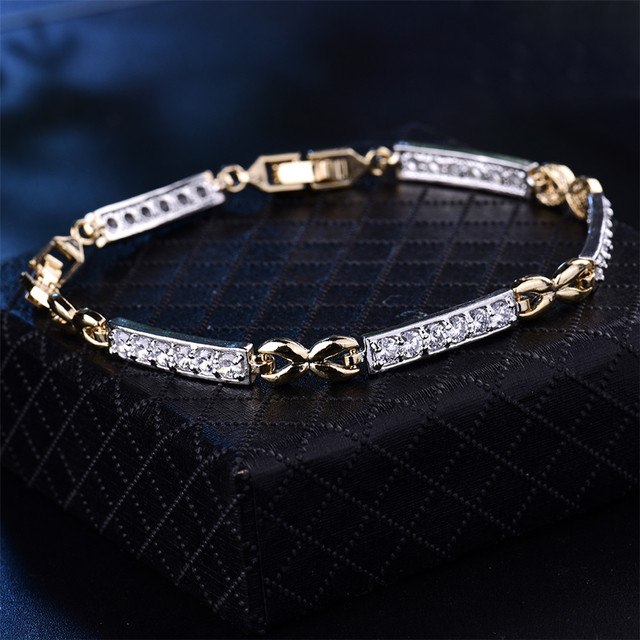 Dainty Cubic Zirconia Link Chain Bracelet