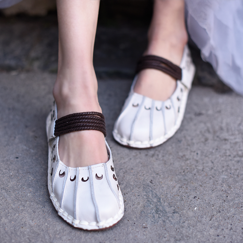 Tyawkiho Genuine Leather Women Flats Hollow Out Summer Shoes White Soft Leather Women Loafers Retro Handmade Women Ballat Flat tyawkiho genuine leather women sandals low heel white casual leather summer shoes 2018 handmade women leather sandal soft bottom