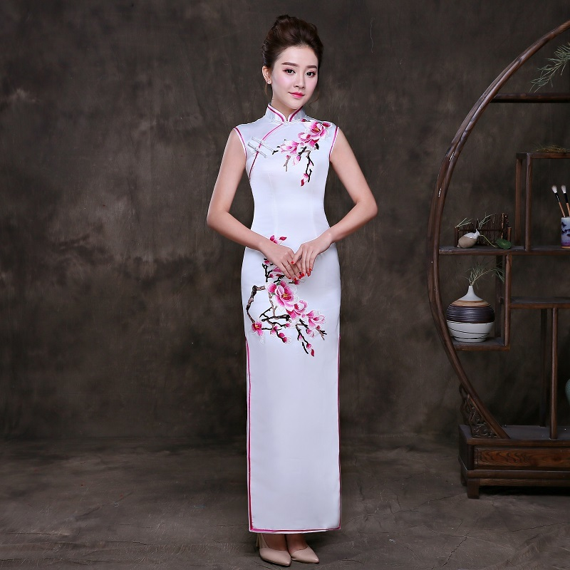 2018 Fashion Qipao Long Cheongsam Dress Embroidery Traditional ...