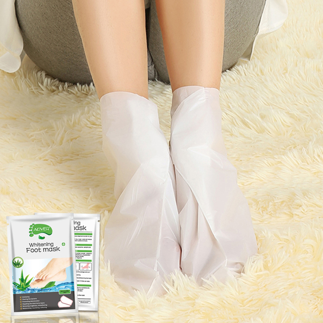 2pcs/Pair Lemon Exfoliating Foot Mask Moisturizing Hydrating Whitening Feet Care Remove Dead Skin Foot Peeling Foot Mask TSLM2 4