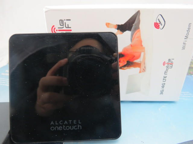 Cheapest Original Unlock HSPA+ 21.6Mbps Alcatel One Touch Y600 Portable 3G Wireless Router With Sim Card Slot