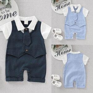 Осенний комбинезон для маленьких джентльменов, одежда для мальчиков, комбинезон с галстуком-бабочкой и коротким рукавом для новорожденных,...