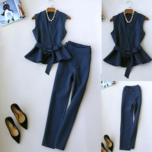 Spring and autumn new womens temperament two-piece suit fashion OL sleeveless vest small pants