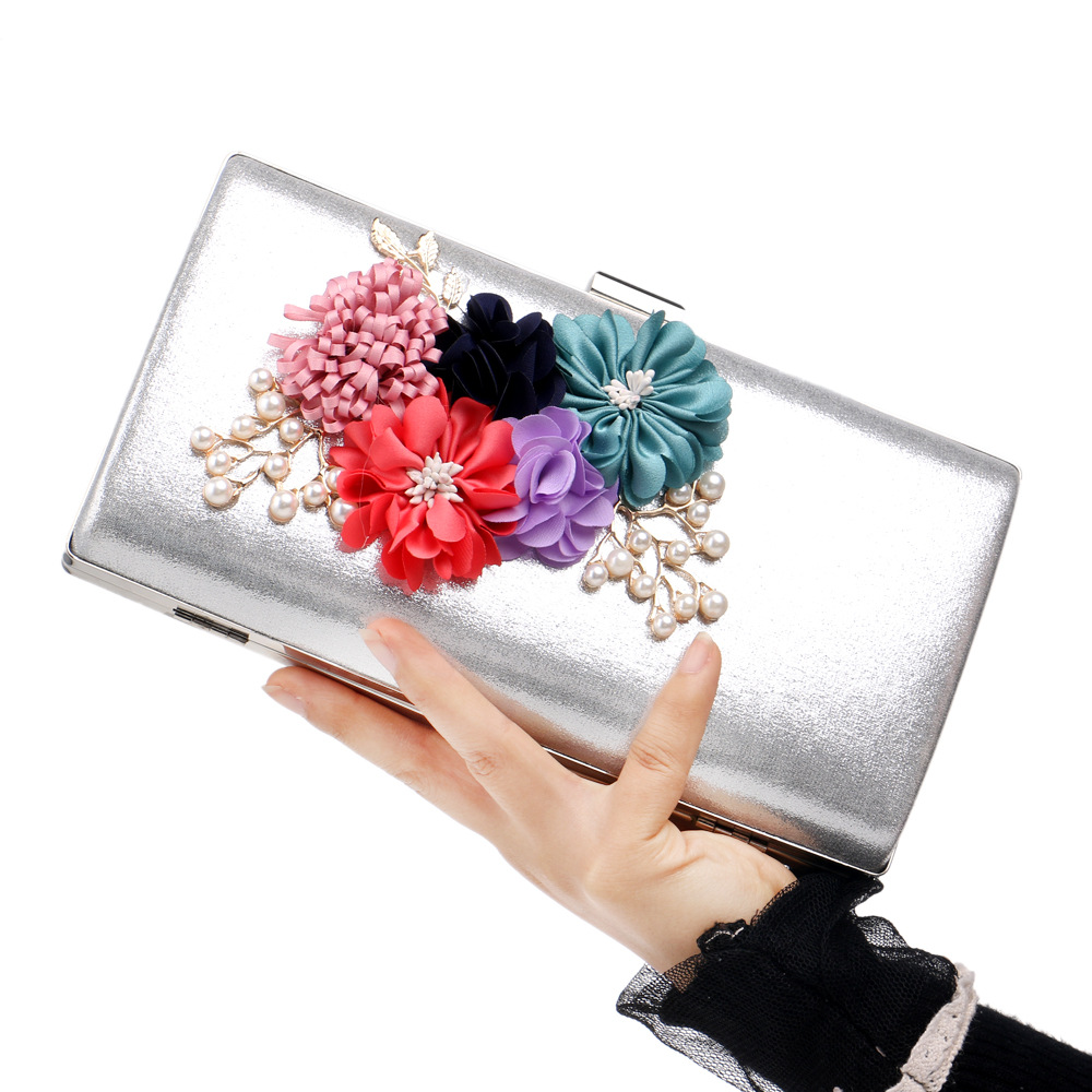 Handmade Flowers Clutch Evening Mini Bags 2018 New Women Shoulder Bags With Chain Small Cross Body Bags Pearl Bags Leaves Decal