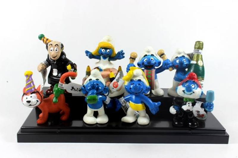 8pcs/Set The Lost Village Figures The Elves Papa Smurfette Clumsy PVC Action Collectible ...