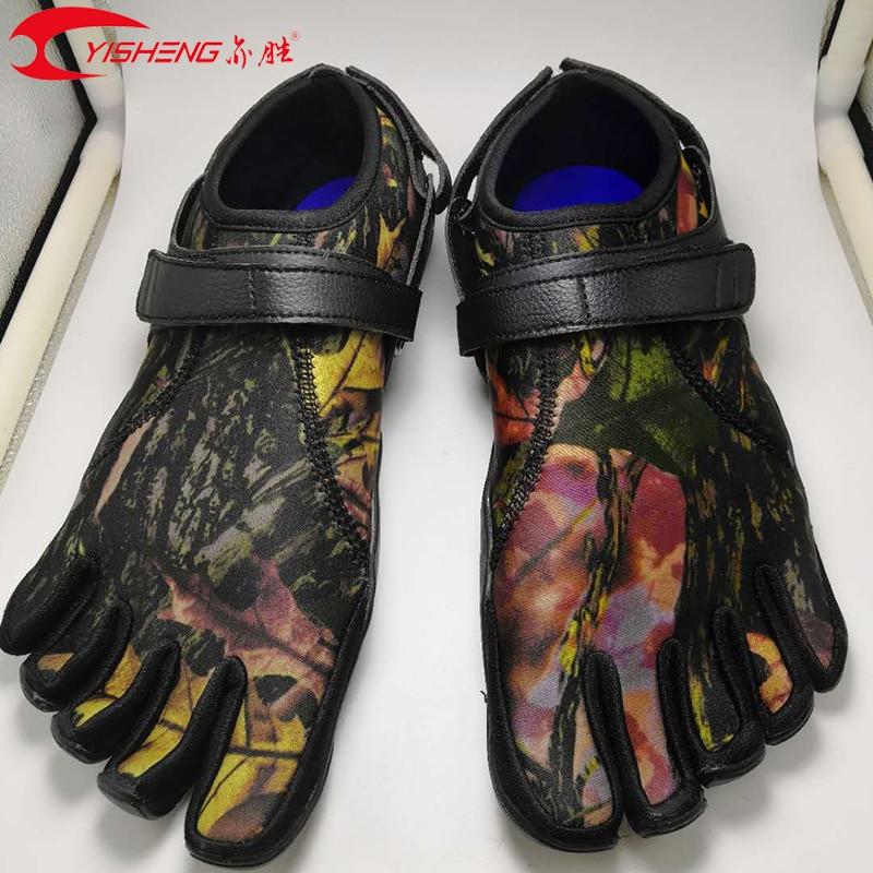 YISEHNG 5 Toe รองเท้า Anti Skid Outsole ห้านิ้วเท้าแห้งเร็วกลางแจ้งรองเท้า-ใน รองเท้าลำลองของผู้ชาย จาก รองเท้า บน   1
