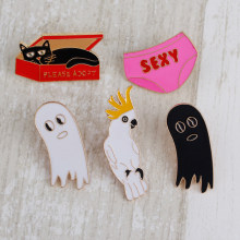 Creative brooch cartoon parrot black cat black and white ghost personality brooch jewelry accessories men and women couple gift(China)
