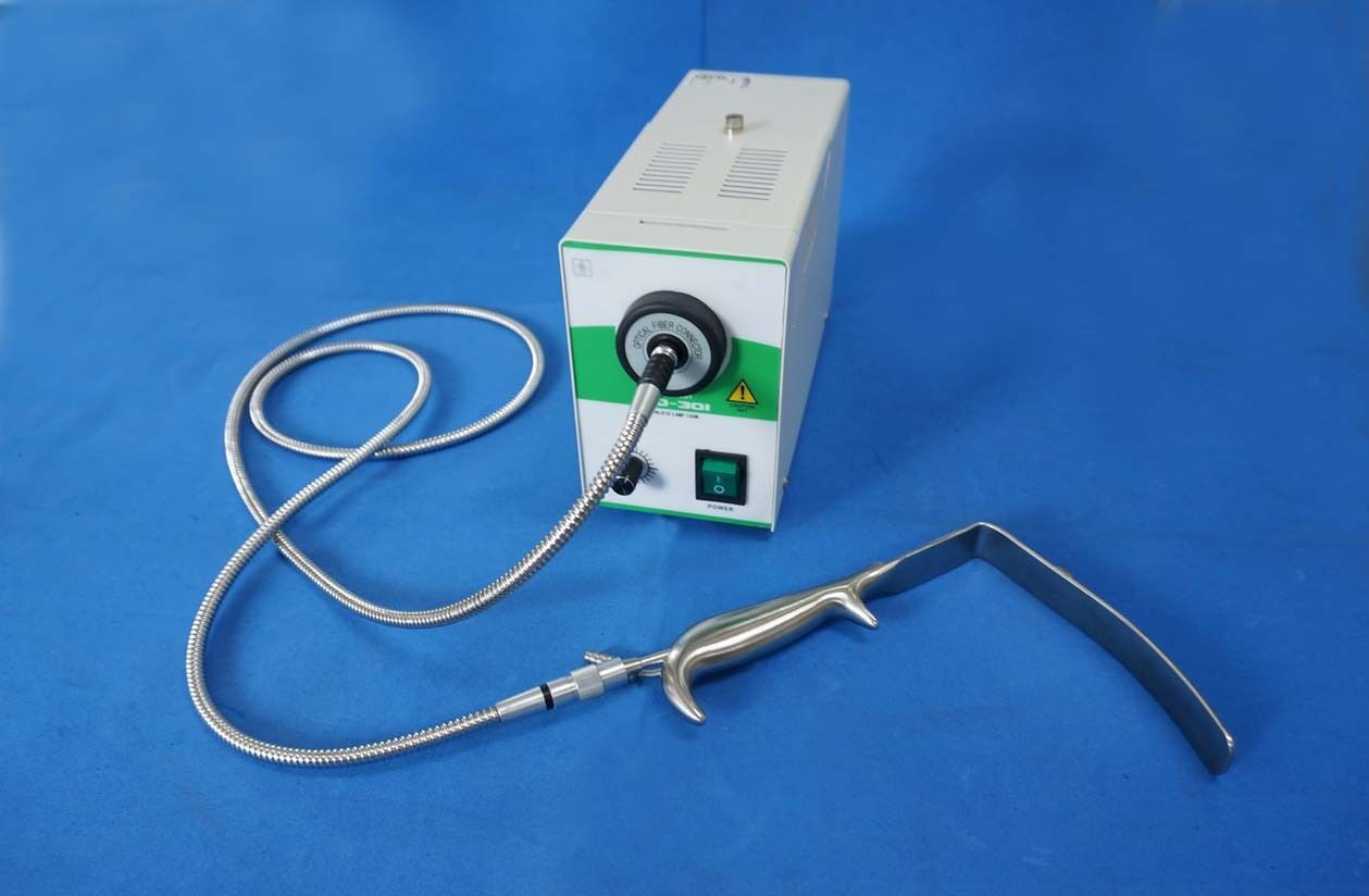 New Beauty Cold Light Source With Fiber Light Cable Plastic Surgery Equipment