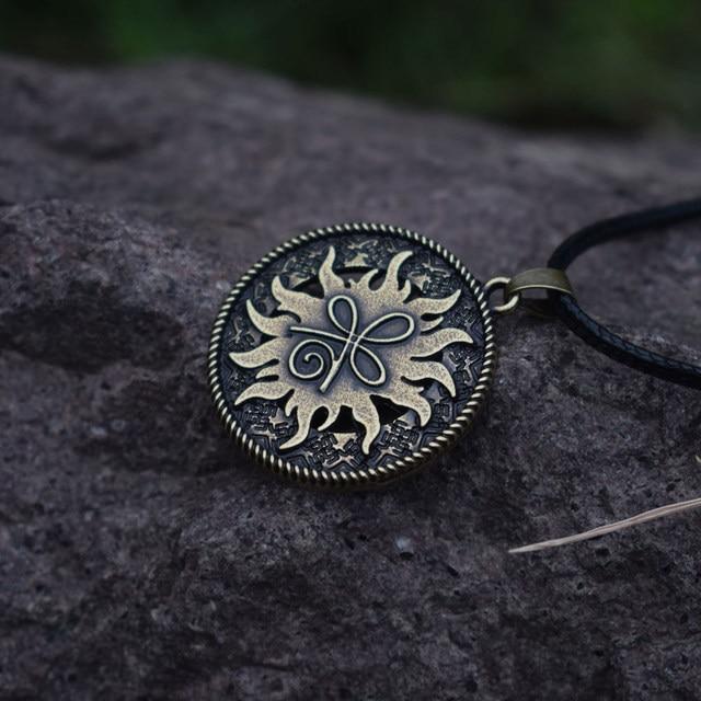 Online Shop 12pcs Sanlan Round Celt Symbol For Strength Pendant