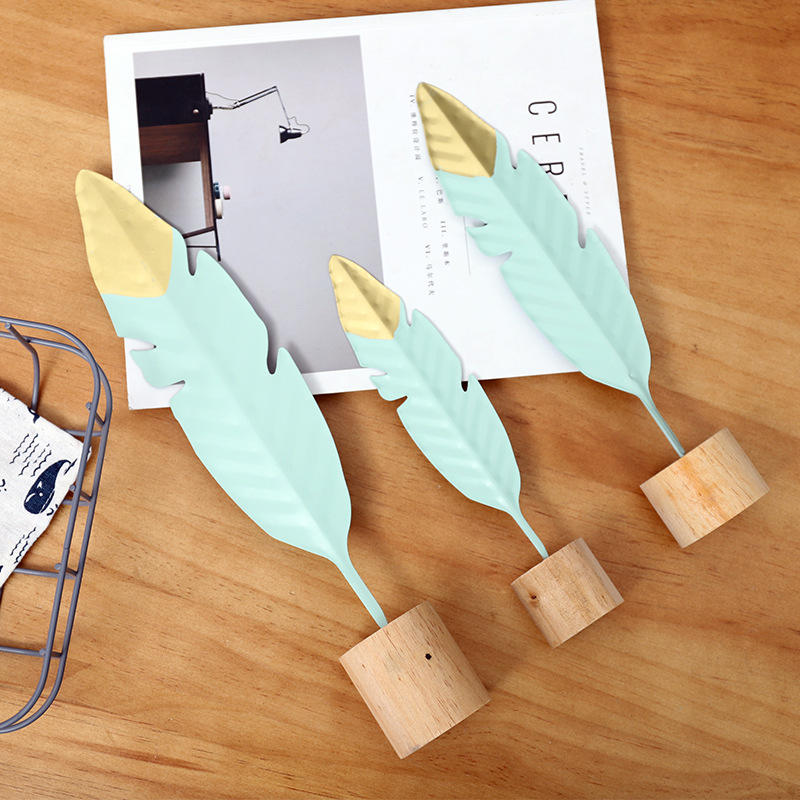 1PC Creative Wrought Iron Feather Bedroom Metal Decoration Furnishings Home Living Room Gift Ornaments B in Wind Chimes Hanging Decorations from Home Garden