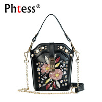 2018 New Women Embroidery Flowers Messenger Bags For Girls Bolsas Crossbody Bags For Women Leather Shoulder