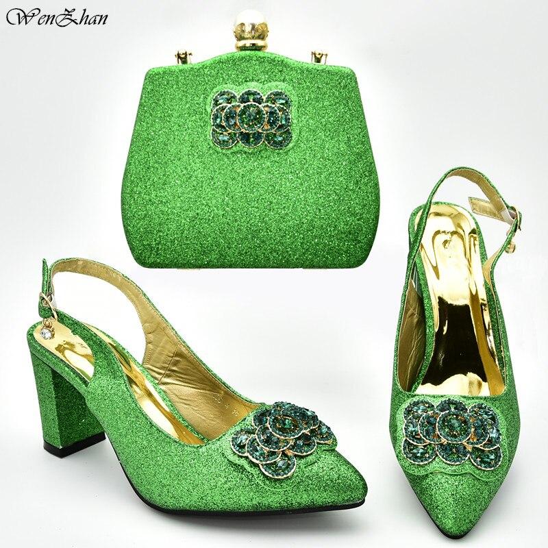 Groene Italiaanse Dames Schoenen en Tas Set Versierd met Strass Schoen en Tas Set voor Party In Vrouwen Italië Schoenen en tas D95 7-in Damespumps van Schoenen op  Groep 1