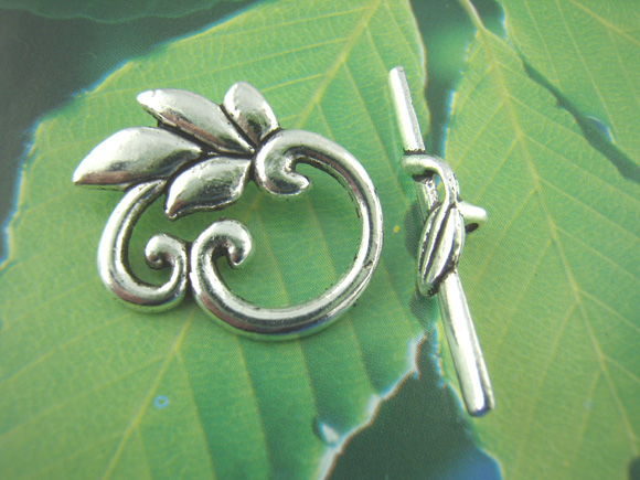 DoreenBeads Zinc metal alloy Toggle Clasps Leaf Antique Silver Leaf Pattern 30mm x6mm(1 1/8