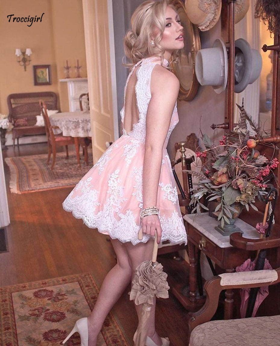 Sexy Blush Pink Knee-length   Cocktail     Dresses   High Neck White Lace Appliques Open Back Short Evening Wear Homecoming Gowns