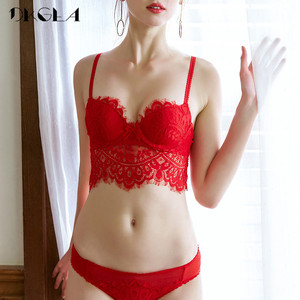 Image 2 - 패션 레드 레이스 란제리 섹시한 브래지어 세트 브래지어 B C 컵 속옷 여자는 두꺼운 면화 편안한 브래지어 팬티 세트를 밀어 올려